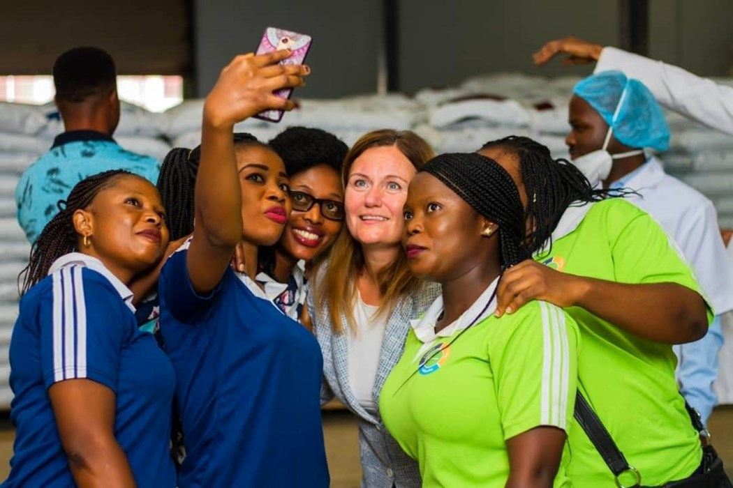 Skretting Nigeria staff with Therese Log Bergjord